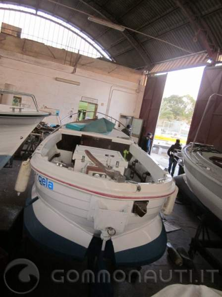 Barca italmare gozzo sole 39 diesel entrobordo 40 hp for Gozzo motore entrobordo