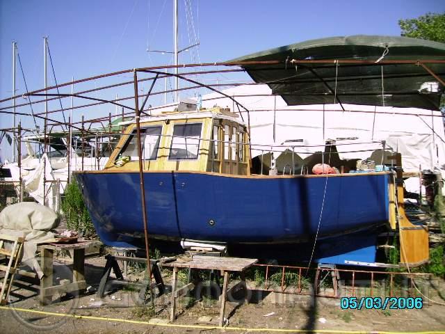 Barca gozzo cabinato autocostruito ford entrobordo 0 hp for Gozzo motore entrobordo