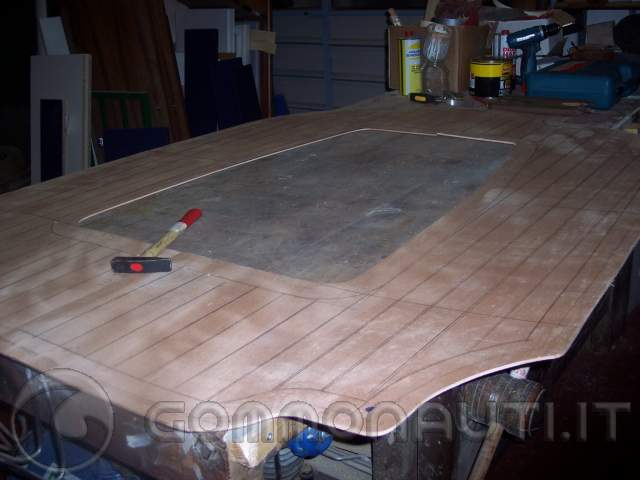 re: costruire un paiolato in tek per un gommone ( Fotografie lavori )