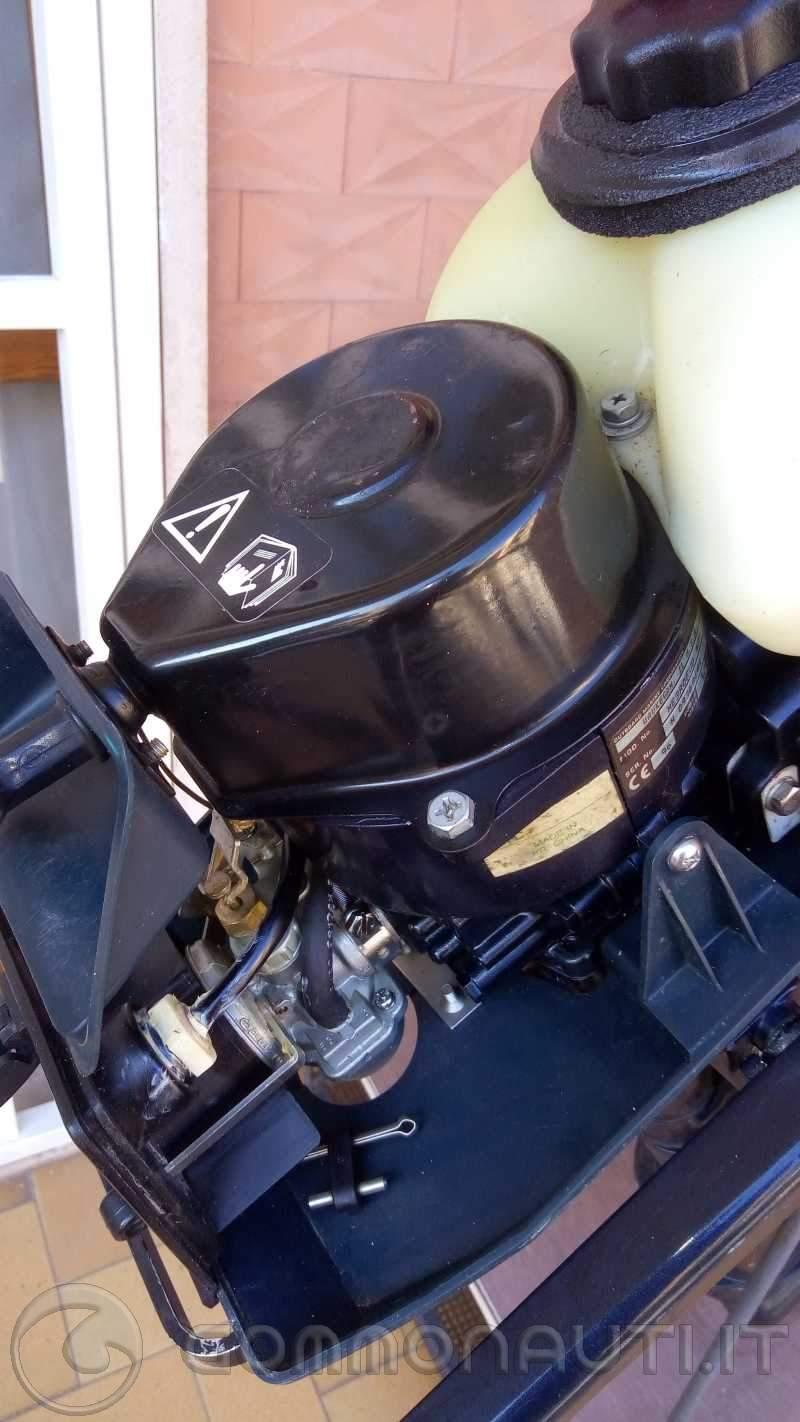 Vendo motore fuoribordo Evinrude 3,3 cv con meno di 1 ora di moto