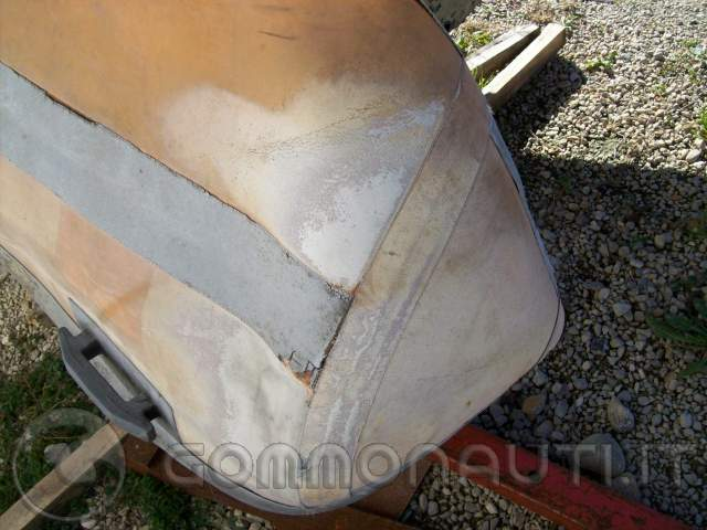 Vendo gommone Bat 460 da riparare €350 eventualmente trattabili