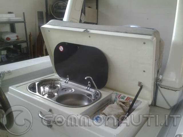 Costruire un gavone con lavello doccetta e fornellino a gas for Doccetta barca