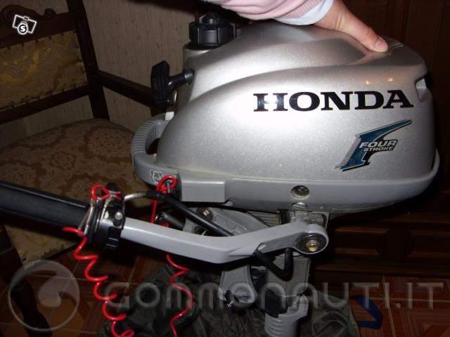 re: Per errato acquisto vendo gommone NUOVO e ancora Imballato Marca Plastimar Siros 2,75 mt paiolato in legno + motore Honda 2,3 cv 4 tempi maggio 2007