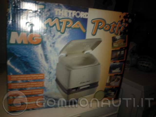 Ripropongo bagno chimico thetford portatile mod campa potti - Bagno chimico usato ...