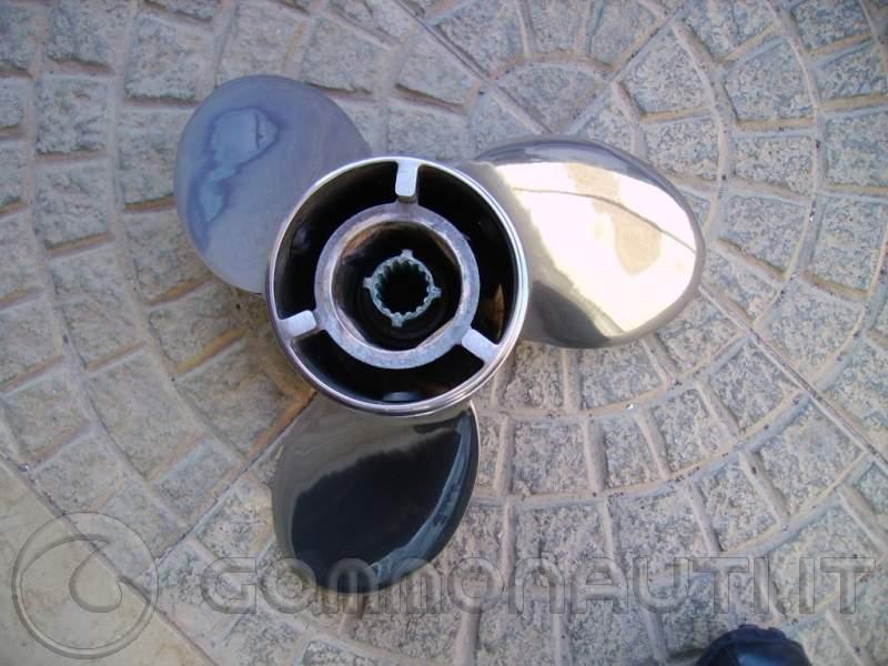 Vendo elica in acciaio inox Mercury Laser II passo 19 come nuova!