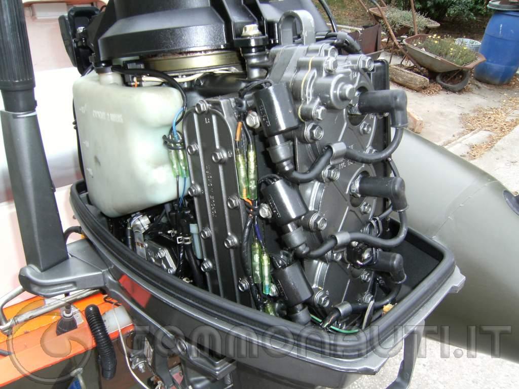 Schema Elettrico Yamaha Dt 50 : Sostituire guarnizione di testa suzuki dt cilindri foto