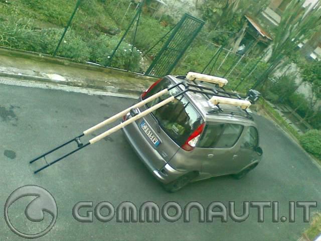 Porta gommone per tetto auto