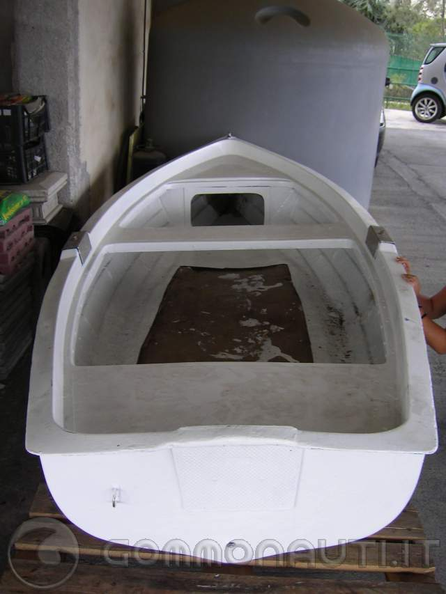 Ripristino totale lancia vtr 3 5mt for Barca lancia vetroresina
