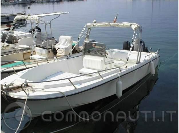 Barca open 7 metri man o petteruti con motore tohatsu for 110 piedi in metri