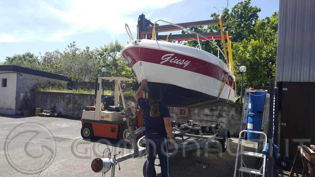 re: E' giusto sollevare la barca con le fasce agganciate a un piccolo bilancino