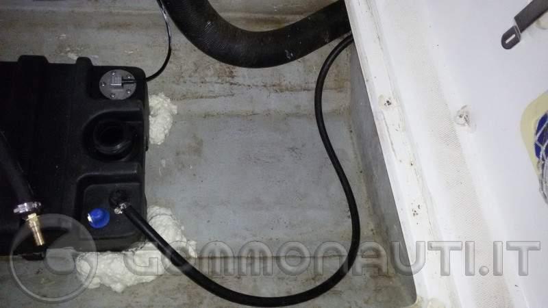 re: Serbatoio benzina e serbatoio acqua nello stesso gavone: controindicazioni?