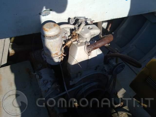 Vendo gozzo in legno mt motore ducati 9cv for Gozzo motore entrobordo