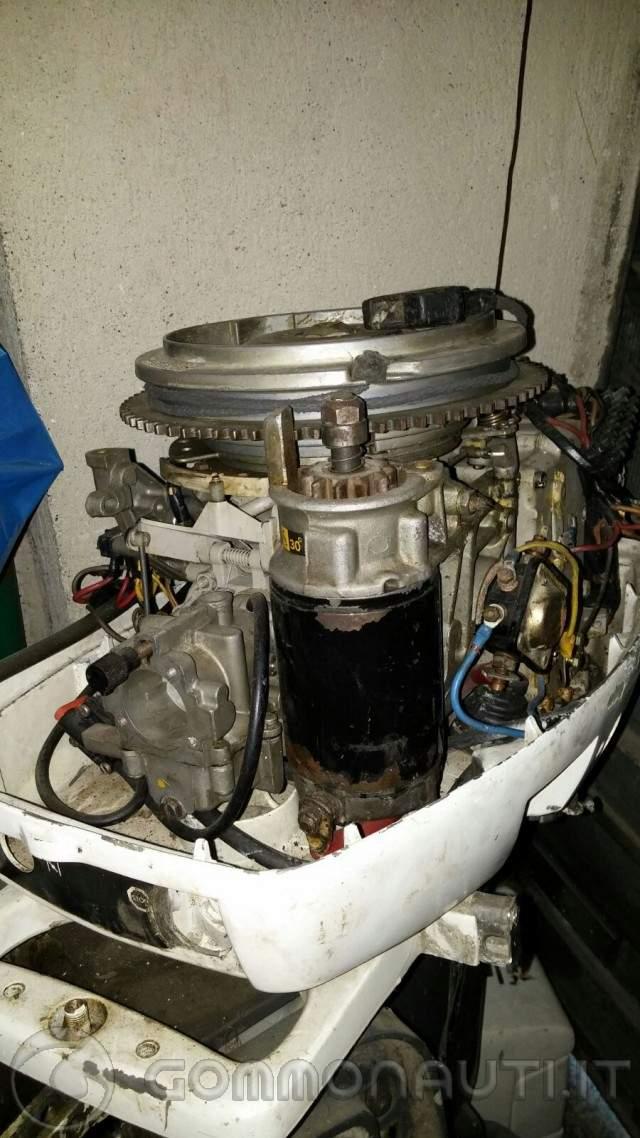 Vendo Ricambi motore marino johnson 521 cc 25hp 1984