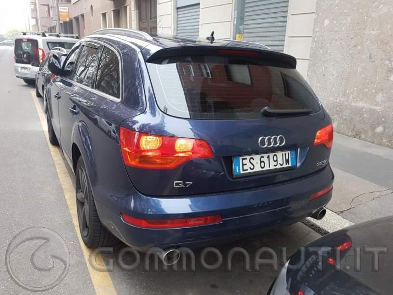 Audi Q7 S-line 3.0 TDI con gancio Traino