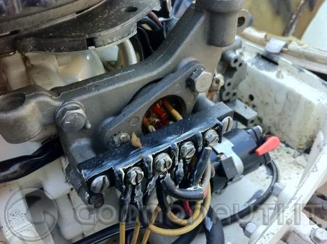 Schema Elettrico Evinrude 521 : Caricare la batteria da un evinrude cv pag