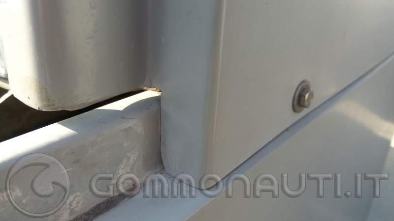 re: Clubman 21 trovo acqua nel gavone centrale