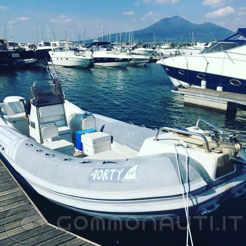Vendo gommone SACS 640 con motore Evinrude 150 cv