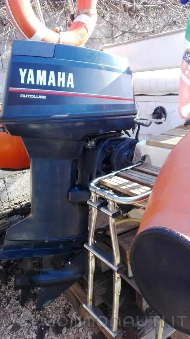 Vendo Gommone mistral 480 + Yamaha Top 700 (25/50) + carrello stradale (volendo anche separati)