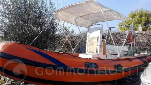 Vendo Gommone mistral 480 + Yamaha Top 700 (25/50) + carrello stradale