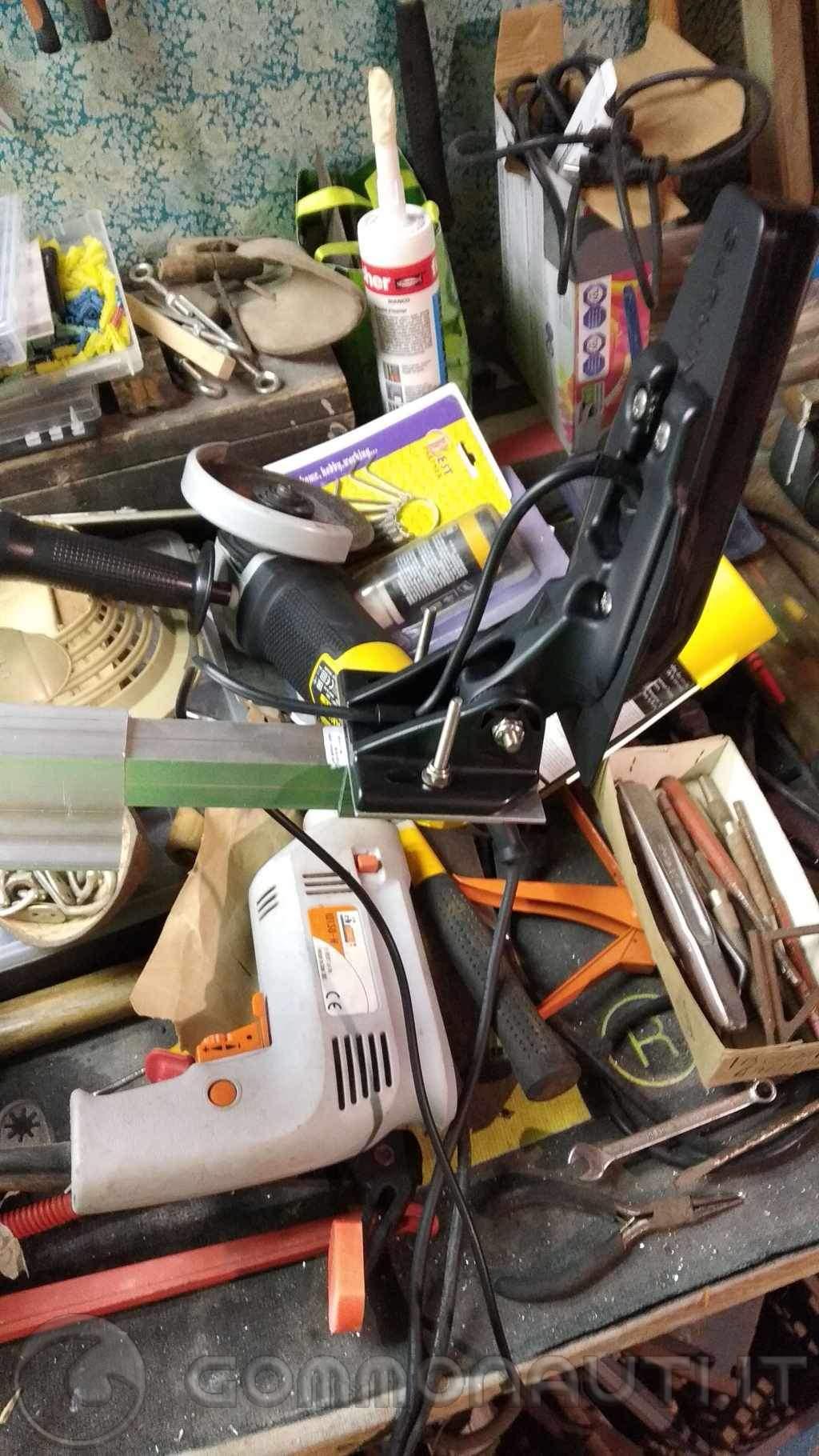 Installazione trasduttore di poppa su imbarcazione con entrobordo