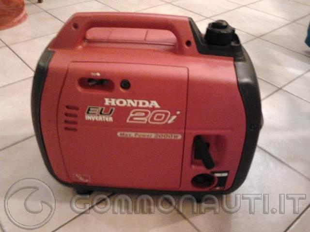 Vendo generatore honda 2 0 i for Generatore di corrente honda usato