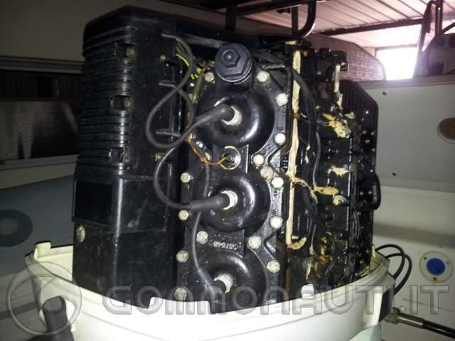 BARLETTA] JOHNSON OCEAN RUNNER 150 V6 XL