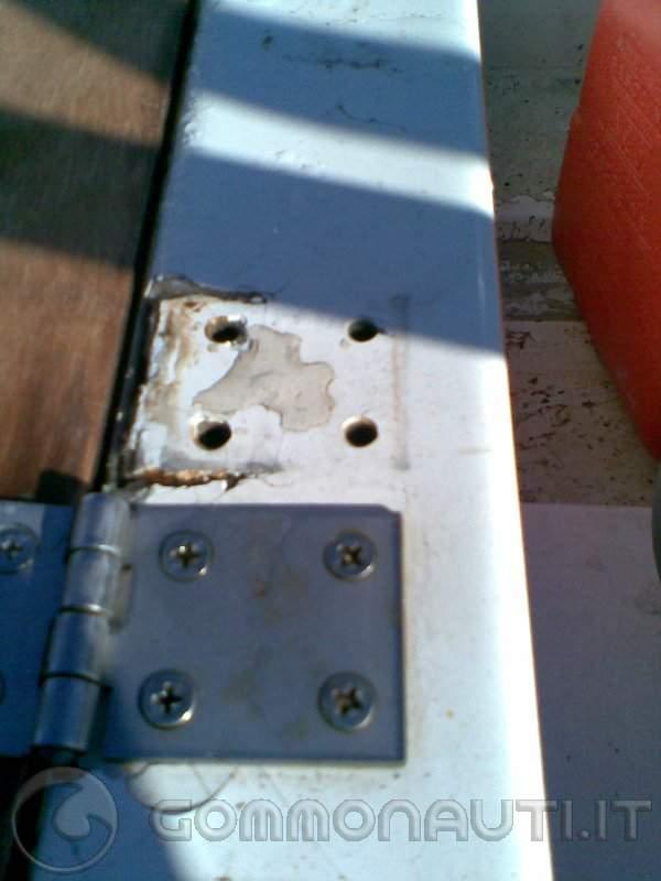 Crepe sulla vetroresina: istruzioni per il ripristino.